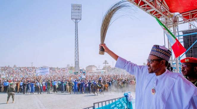president-buhari-waves-1